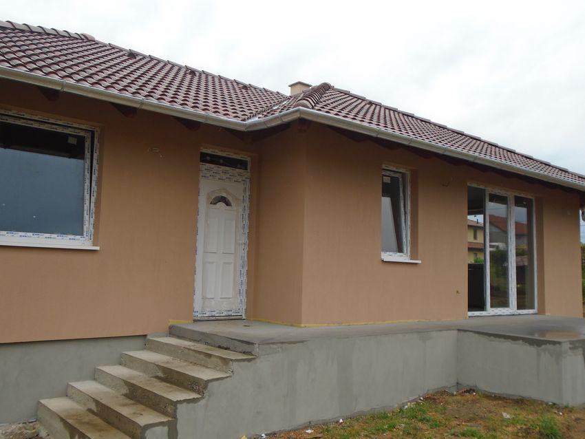 Ecser egy közkedvelt részén,új építésű,családias környezetben,új építésű családi ház eladó!