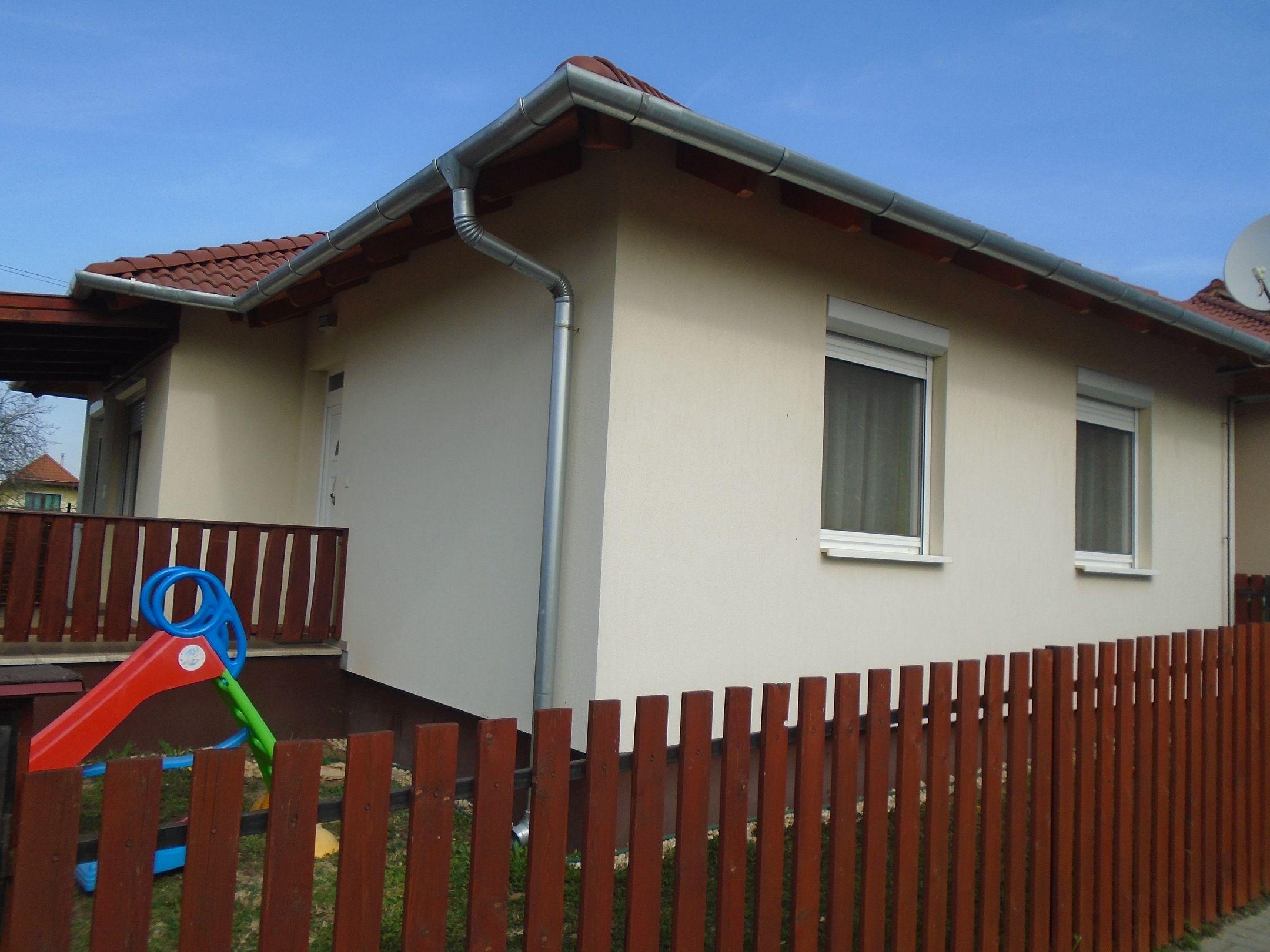 Maglód új építésű részén,kellemes,lakóparki környezetben újszerű családi ház eladó!