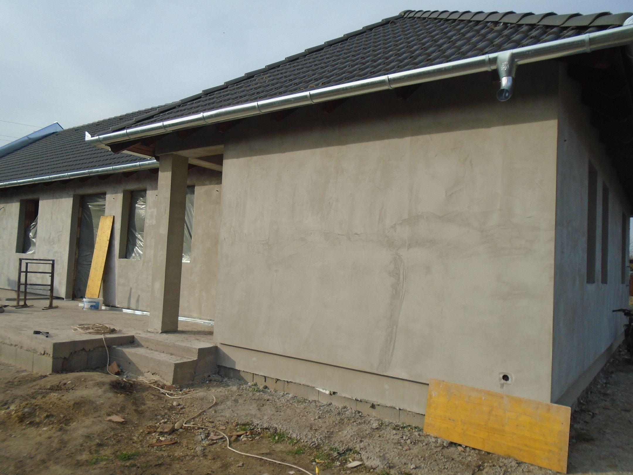 Péteri központjához közel,csendes,családias környezetben eladó egy új építésű,földszintes családi ház