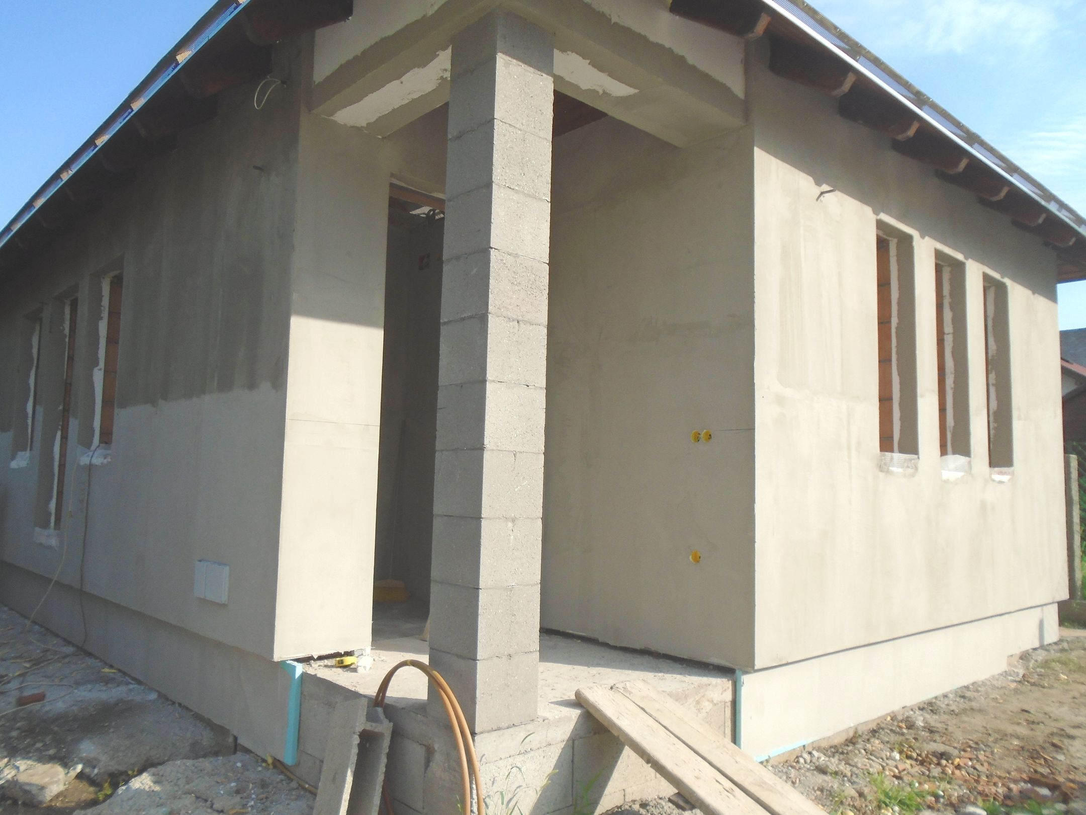 Gyömrő központjához közel,családi házak között eladó egy új építésű,önálló családi ház!