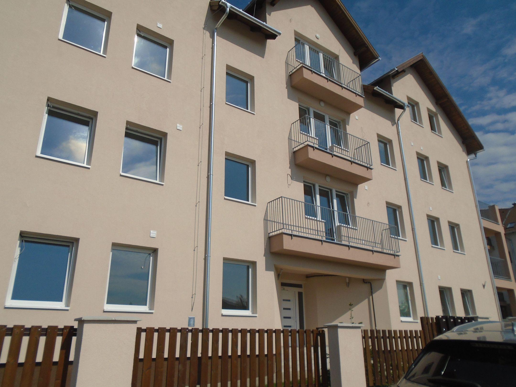 Gyömrő egyik új lakóparkjában,igényesen kivitelezett,új építésű társasházi lakások eladók!