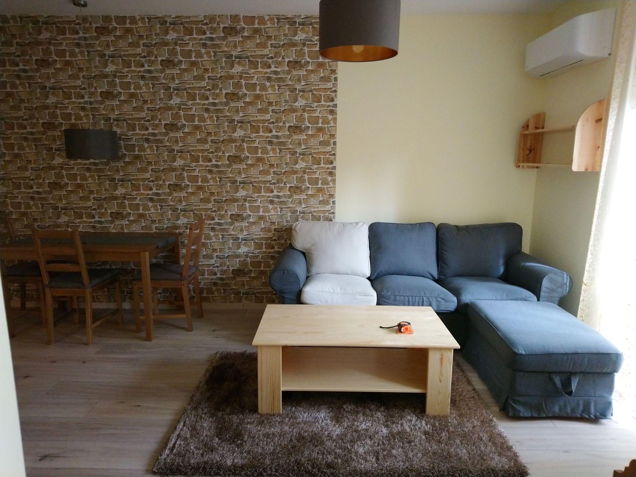 A főváros 16.kerületében,családias környezetben eladó egy teljesen felújított földszinti lakás!