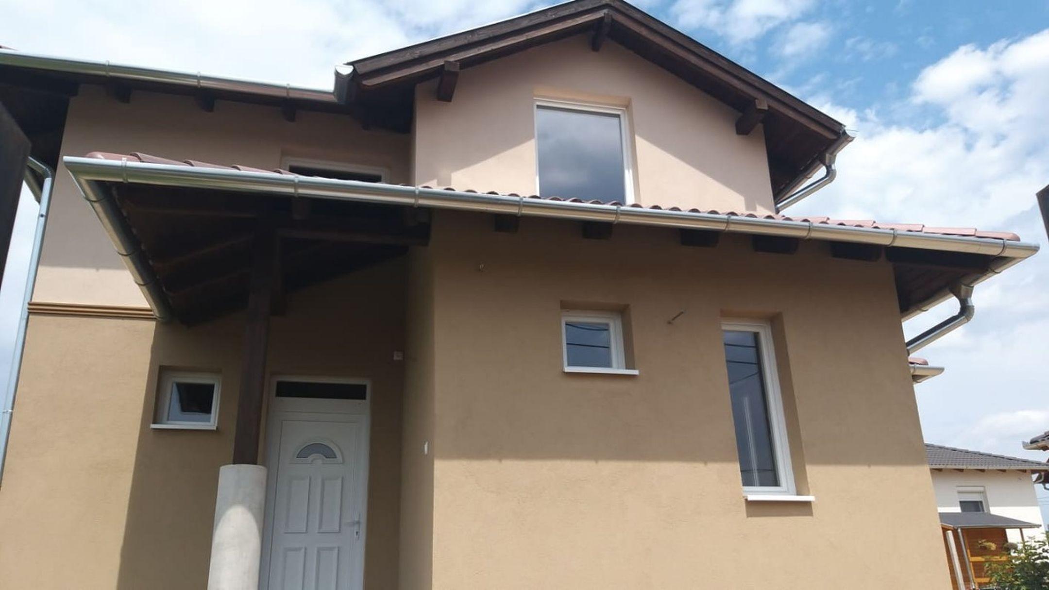 Ecser új építésű,lakóparki részén,nagyon kedvelt környezetben,új építésű,belső kétszintes családi ház eladó!